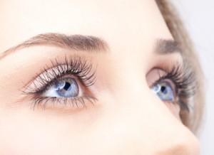 Maquillage yeux, epilation cils, épilcation sourcils